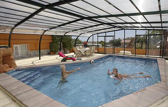 abri piscine 44. Black Bedroom Furniture Sets. Home Design Ideas