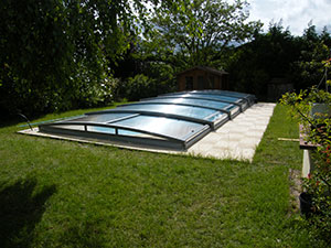 abri piscine bas telescopique