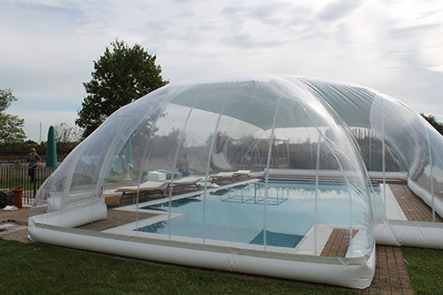 abri piscine dome gonflable