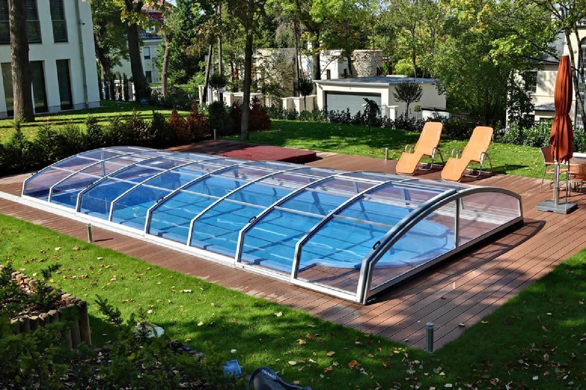 abri piscine et vent