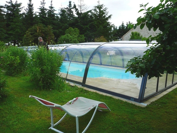 abri piscine gonflable avis. Black Bedroom Furniture Sets. Home Design Ideas