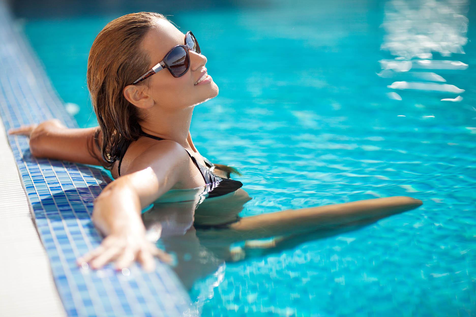 abri piscine istres