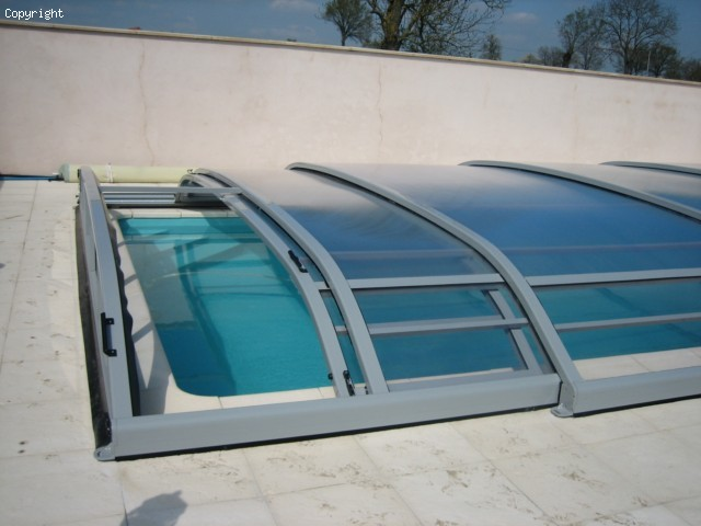 abri piscine valence