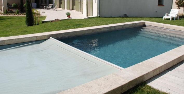 bache piscine 4 saisons. Black Bedroom Furniture Sets. Home Design Ideas