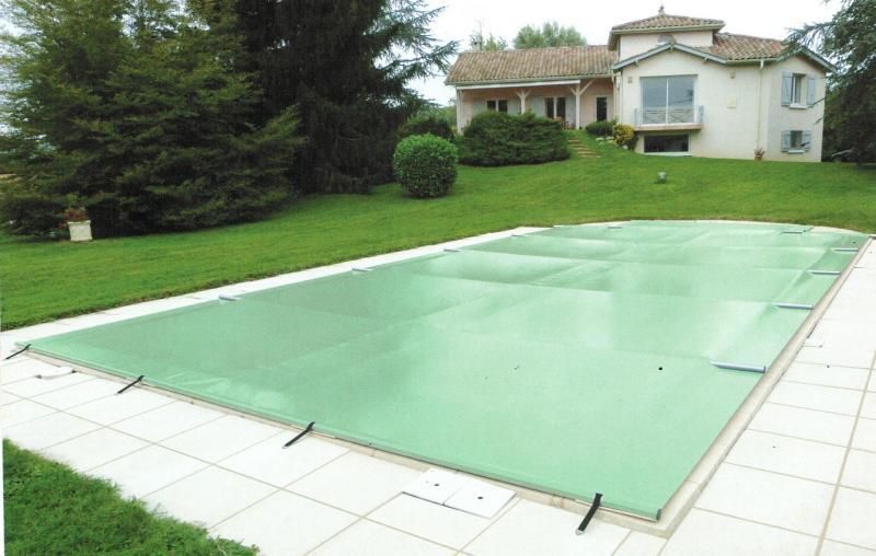 bache piscine 9x4