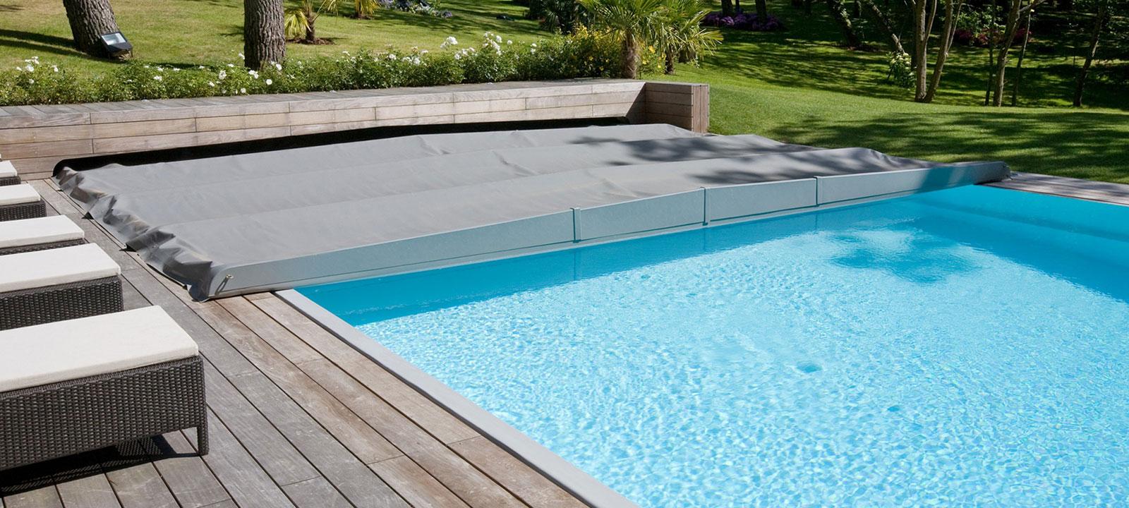 bache piscine niolon