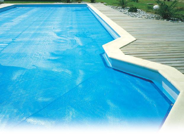 bache piscine pour chauffer l'eau