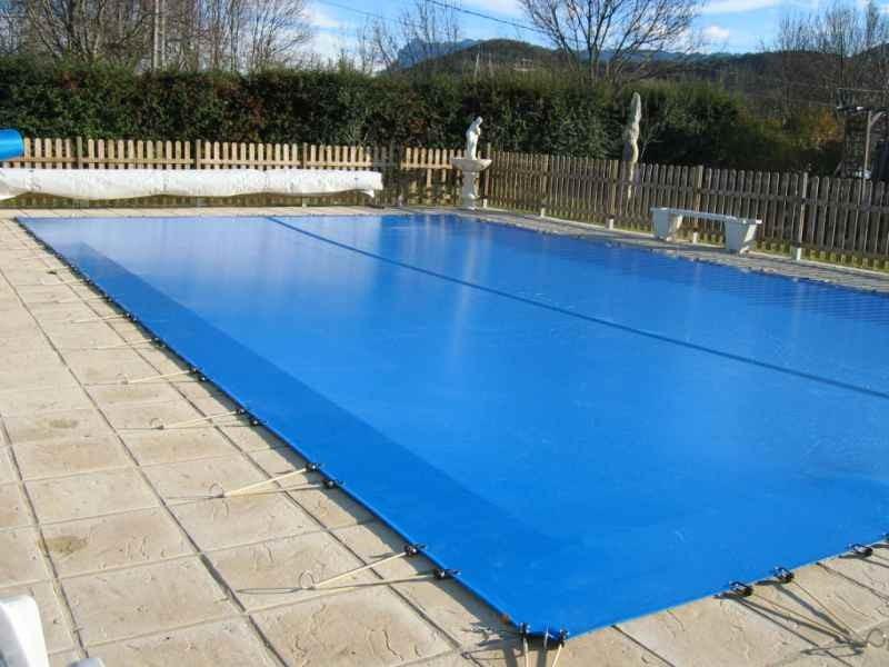 bache piscine pour hiver