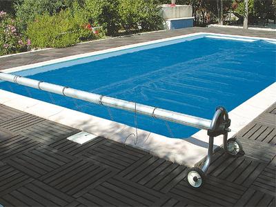 bache piscine s'envole