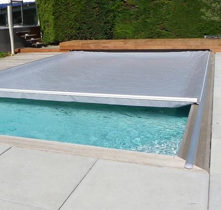 bache piscine vent