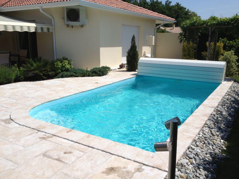 volet piscine 6x3. Black Bedroom Furniture Sets. Home Design Ideas