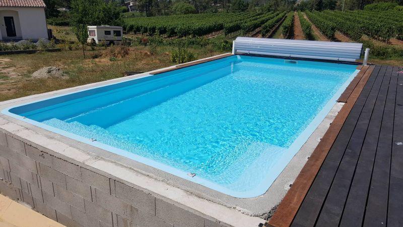 volet piscine bleu