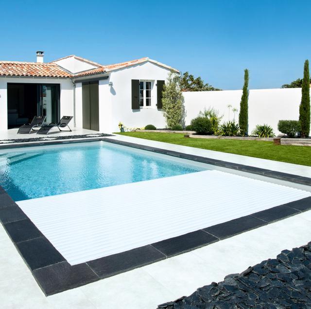 volet piscine caron. Black Bedroom Furniture Sets. Home Design Ideas