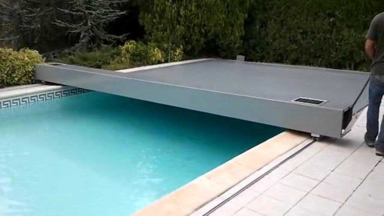 volet piscine hors sol sur rail