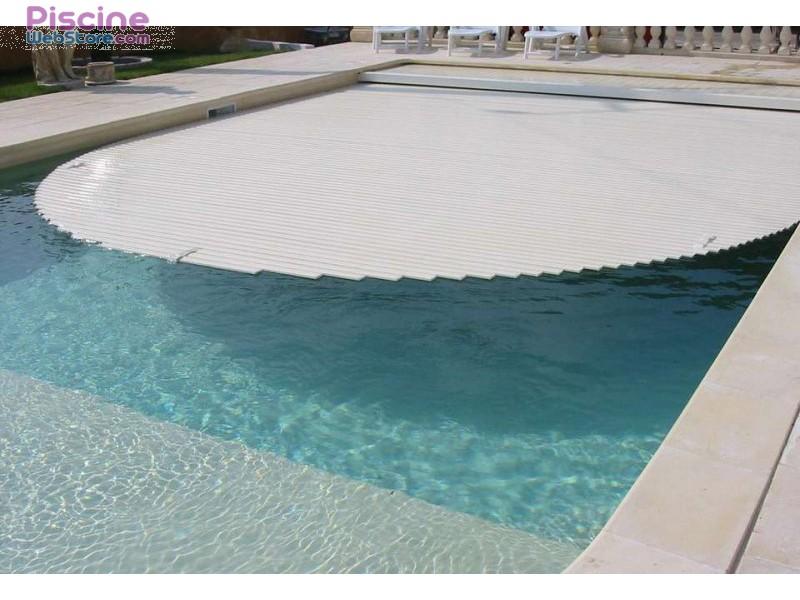 Volet piscine hydraulique - Protection piscine volet roulant ...