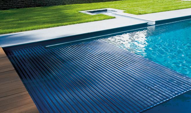 volet piscine immerge solaire