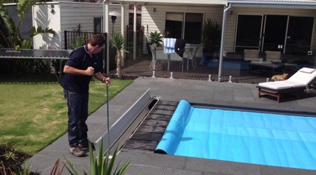 volet piscine manuel