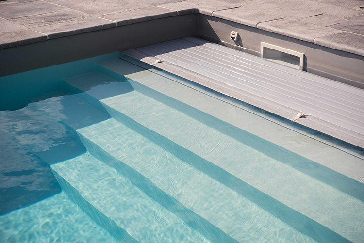 volet piscine roll inside
