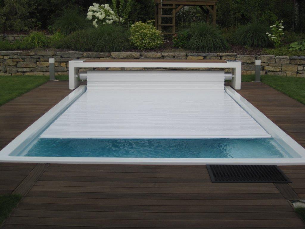 volet piscine sous terrasse