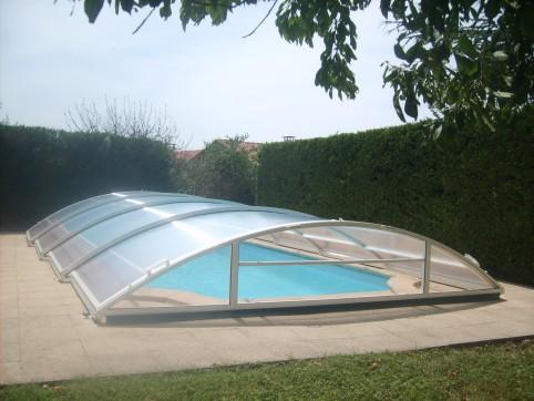 abri piscine 44