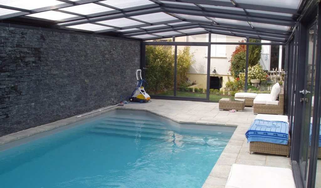 abri piscine coulissant pas cher