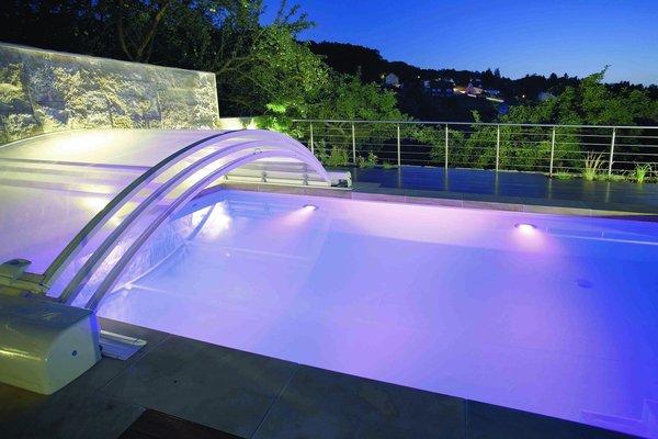 abri piscine hiver