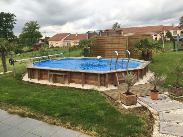 abri piscine semi enterree