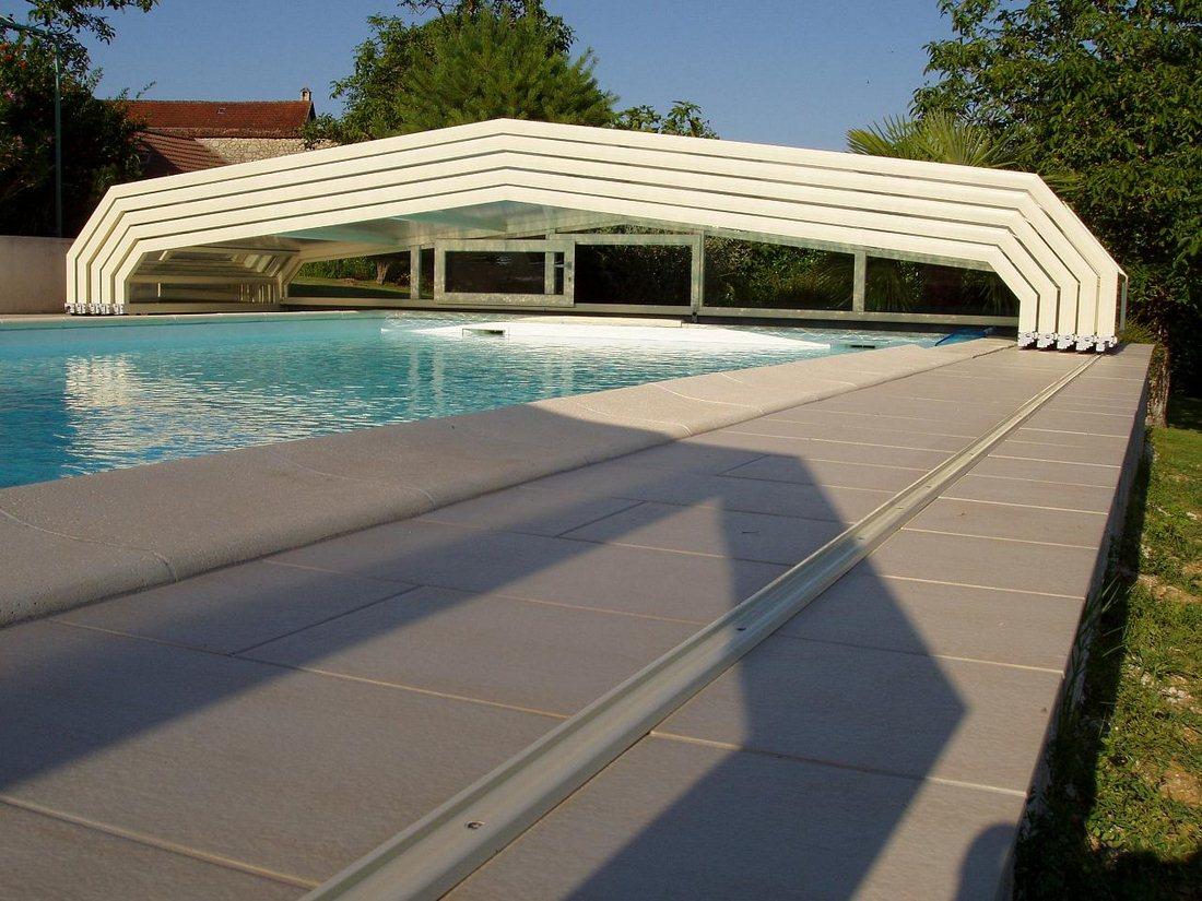 abri piscine sur rail