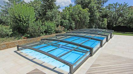 abri piscine verre