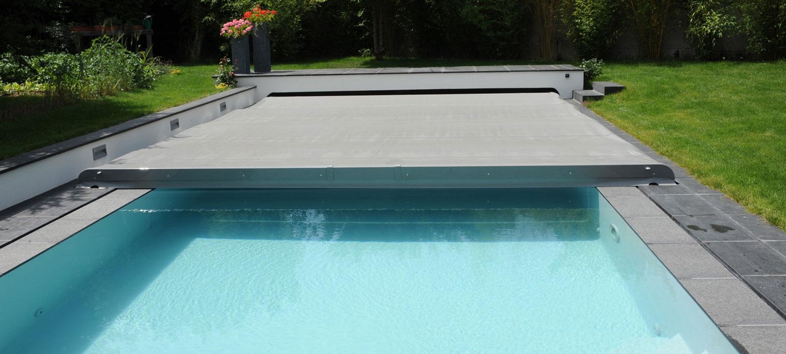 bache piscine automatique