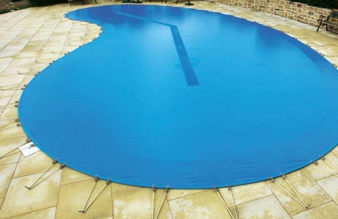 bache piscine haricot