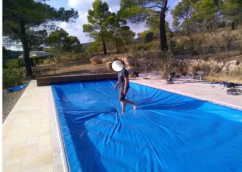 bache piscine marcher dessus