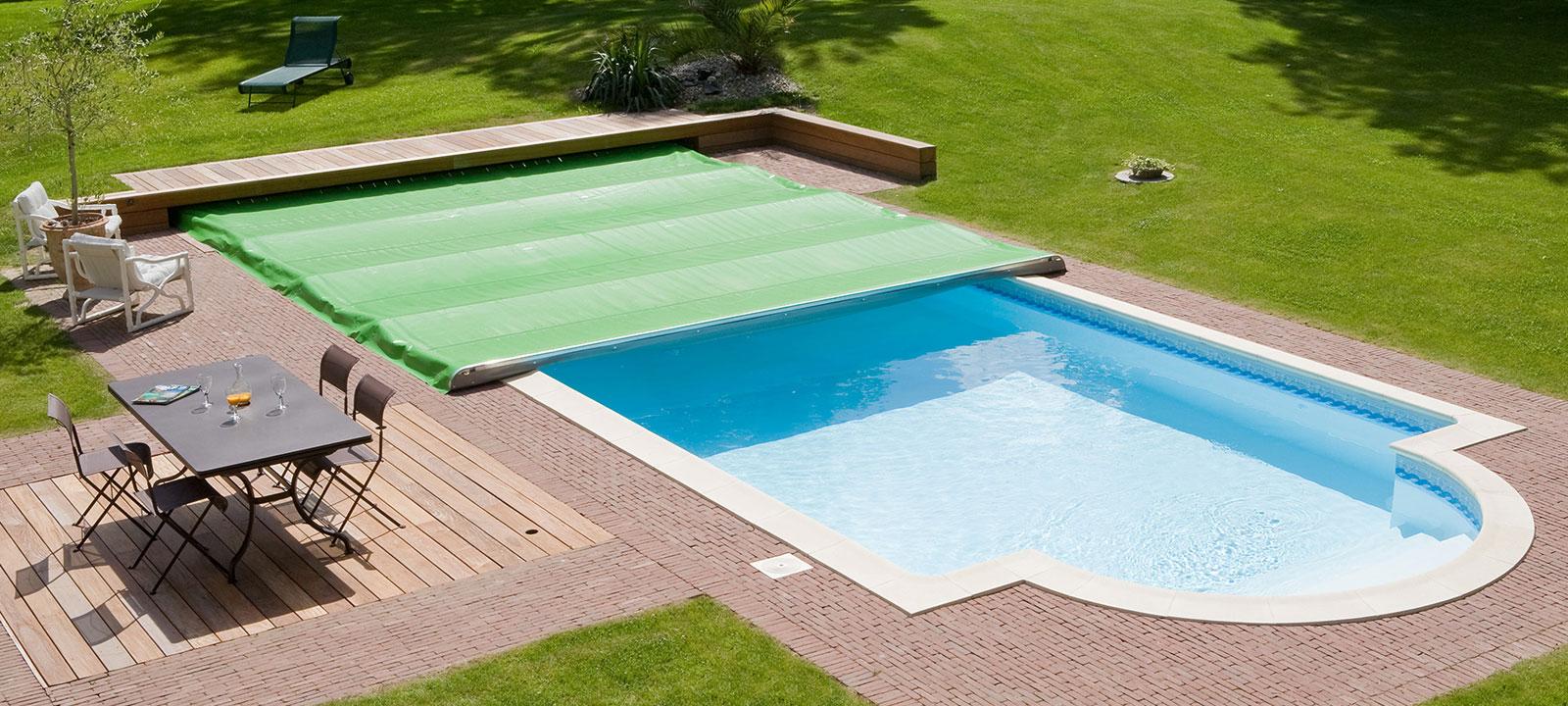 bache piscine octogonale castorama