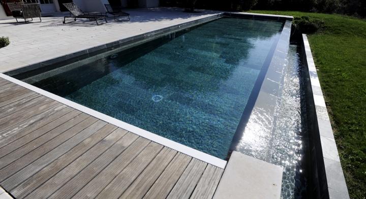 volet piscine a debordement