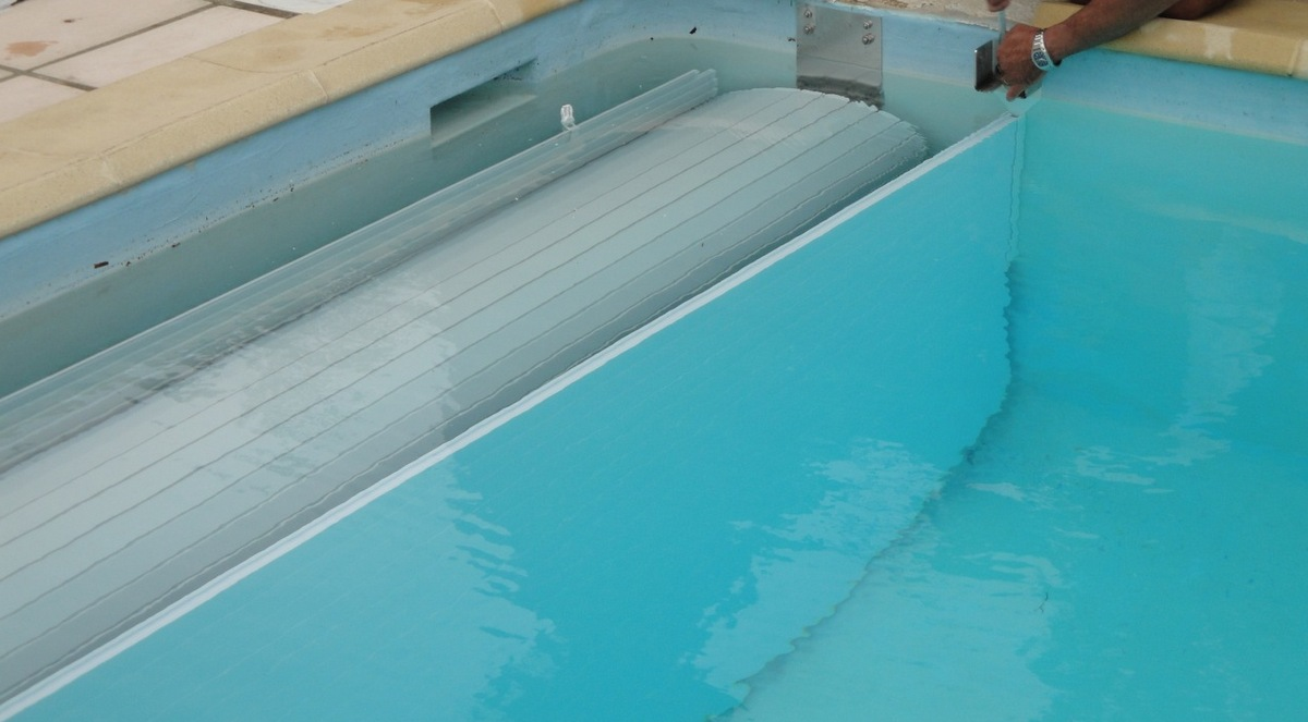 volet piscine en fond de bassin