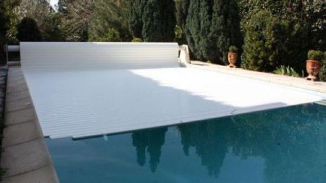 volet piscine flottant